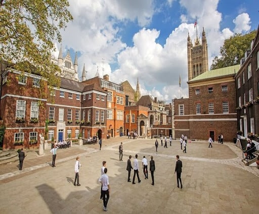 مدارس بین المللی انگلستان